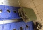 Prancha de desatolagem e galão 20 litros aluminio
