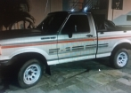 Ford F1000 4x4