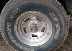 Rodas com pneus perfil 31x10.50R15 misto novos pouco usado 4 rodas e 4 pneus