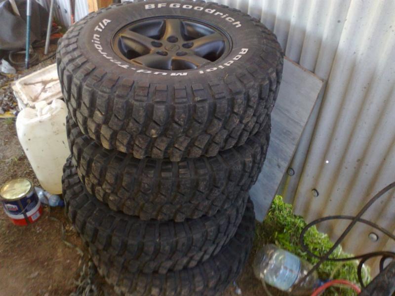 Compro polaina traseira parachoque samurai 93 rodas 15 for Pila pneus