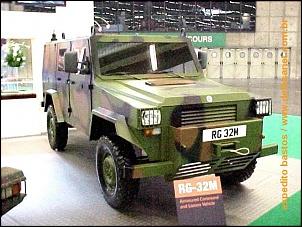 Fotos de veículos militares-rg-32-m-da-vickers-inglesa.jpg