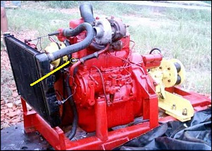 Motor vazando óleo lubrificante pelo gargalo-foto-1_365.jpg