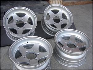 Rodas Mangels, Aro 16, 6 furos, cromadas. Troco por Roda de liga-foto-rodas-vector.jpg