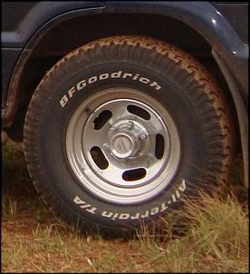 Rodas Mangels, Aro 16, 6 furos, cromadas. Troco por Roda de liga-roda.jpg