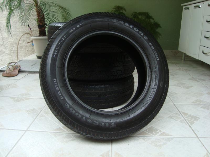 vendo 4 pneus firestone 205 65 r15 com muito pouco uso. Black Bedroom Furniture Sets. Home Design Ideas