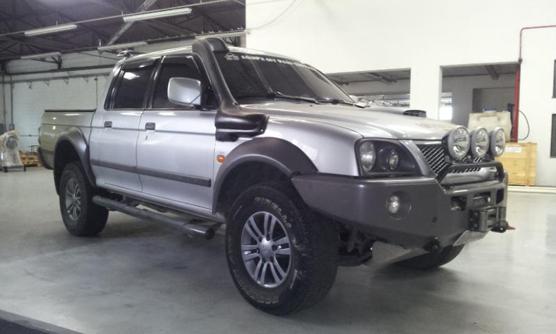 Bumper Rhino colocado 436404d1382704335-l200-sport-outdoor-parachoque-em-aco-guincho-e-protetores-20130827_121852