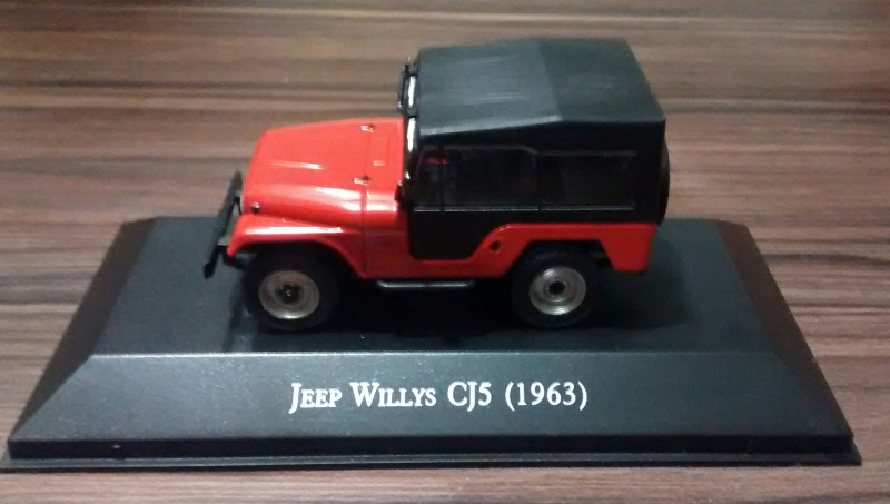 Miniatura Jeep Willys CJ-5 1:43