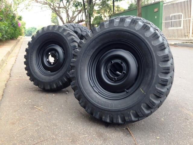 vendo rodas willys originais pneus argentinos barato 890 00. Black Bedroom Furniture Sets. Home Design Ideas