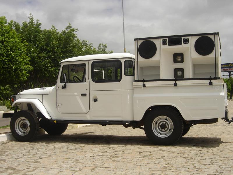 Toyota Bandeirante Cabine Dupla 98 COM OU SEM SOM URGENTE