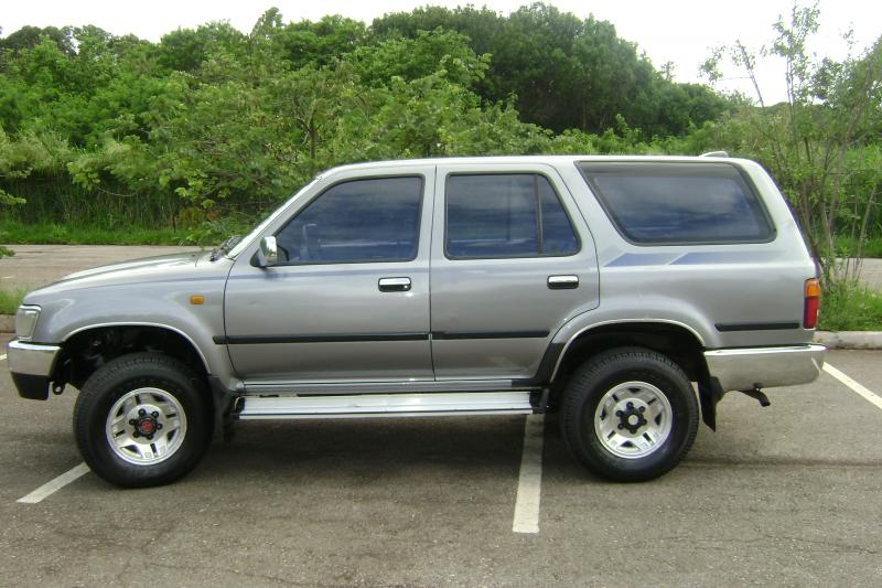 vendo toyota hilux sw4 dlx 4x4 95 95 diesel. Black Bedroom Furniture Sets. Home Design Ideas