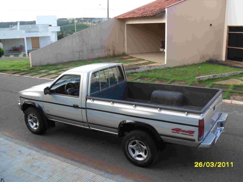 D Vendo Pick Up Nissan D X Turbo Diesel A Sam R on 1995 Jeep Cherokee Sport