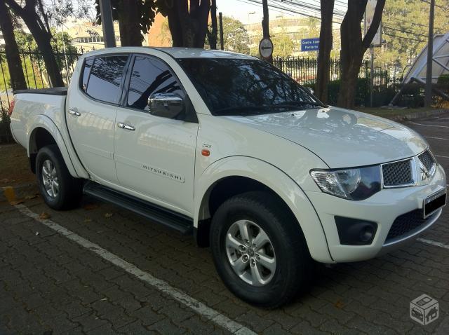 Vendo Mitsubishi L200 Triton 2012 3 5 V6 Flex Automatica