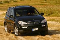 Kyron, Puro Prazer de Dirigir.    Lançado em 2006, o Kyron foi desenvolvido para se afirmar no segmento Europeu dos SUV médios. Para isso, os engenheiros da SsangYong dotaram o Kyron...
