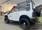 Suzuki Vitara para trilhas, 4x4 e reduzida