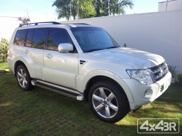 Pajero Full Hpe 3.2 4x4 T.I.Diesel 200cv 5P Aut. 2013-2014