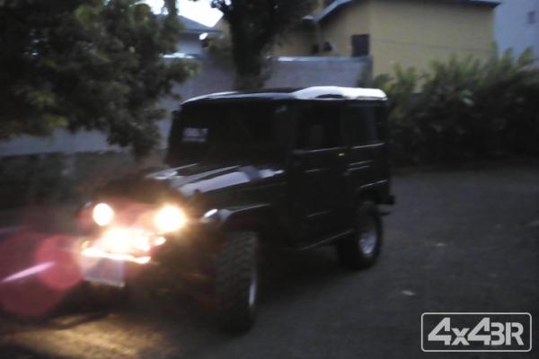 Toyota Bandeirante Jipe Capota de Aço Chassi Curto Diesel 4x4