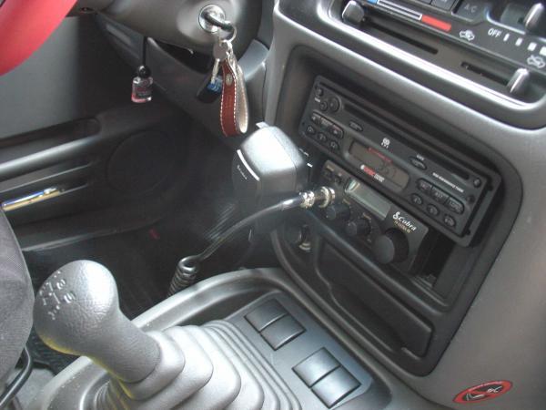 """Tracker (segunda geração) - Ursa indicando a posição do """"mike"""" do rádio PX."""