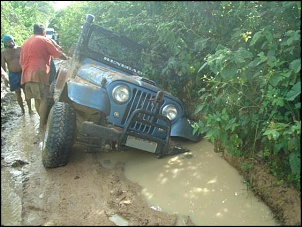 Trilha da Tucunduba - jeep azul no buraco II.
