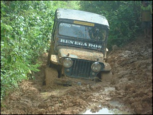 Trilha da tucunduba - jeep 51 no buraco.