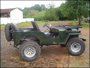 jeep encontrado debaixo de um pé de manga apodrecendo e salvo do inferno por mim.