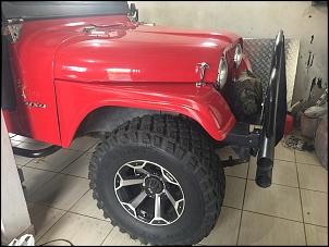 Foto de parte do Jeep em minha garagem. Tudo foi feito por mim, nessa garagem pequena.
