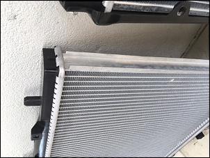 detalhe do suporte lateral, uma tem outro não