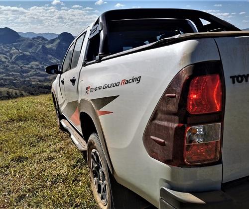 -hilux-gr-s-diesel-4x4-brasil-2-.jpg