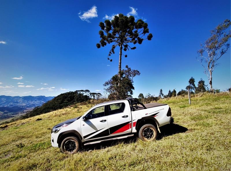 -hilux-gr-s-diesel-4x4-brasil-5-.jpg