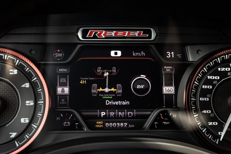 auto eletrico-ram_1500_rebel_4x4brasil-13-.jpg