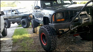 Ford Explorer vs Cherokee Sport-xj.1.jpg
