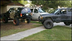 Ford Explorer vs Cherokee Sport-xj.2.jpg