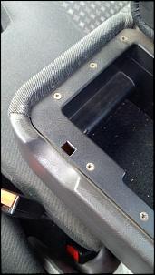 Dúvida quanto a montagem correta da trava da tampa de apoio de Braço Ranger XLS 2008-photo5008482774457362430.jpg