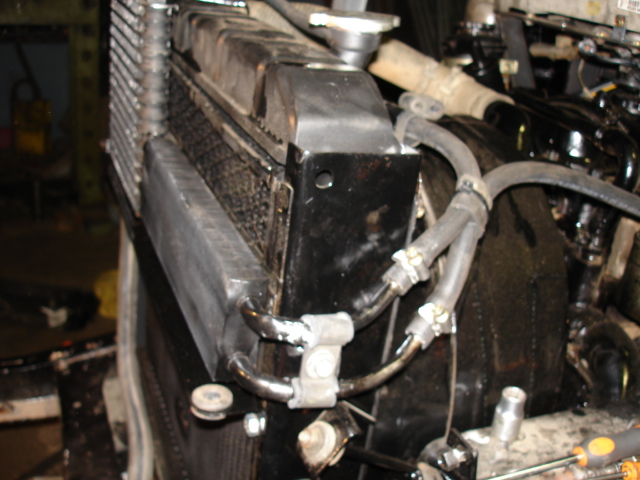 Alguém já adaptou radiador de óleo?
