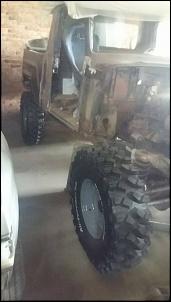 F75 Estendida - Jaque-picape-pneus.jpg