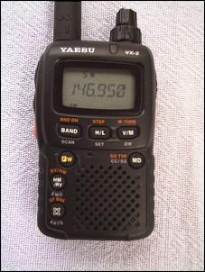 Yaesu VX-2R HT dual band 3W compacto (VHF UHF). Seminovo!-1pic_2776.jpg