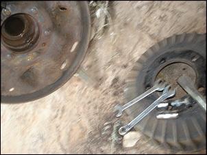 Como retirar o semi eixo traseiro do jeep, rural, f 75 de 1969 em diante.-semi-eixo-traseiro-da-f-75-69-em-diante-014.jpg