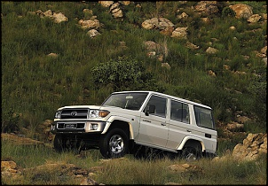 Toyota Land Cruiser 70-lc_station_wagon_gallery_16d_exterior_styling_02_800x600.jpg
