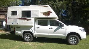 Pickup 4x4 com Camper Fixo para Expedições.-download.jpg