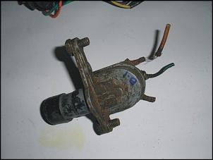 Vendo: Interruptor Luz Alta - Assoalho - Jeep CJ-5, Rural e F-75 - p/ Restauradores-pb040316-1.jpg
