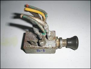 Vendo: Interruptor Luz Farol - Painel - Jeep CJ-5, Rural e F-75-pb040323-1.jpg