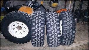 Vendo conjunto de rodas e pneus VJ 910 em excelente estado - furação willys-img-20151118-wa0029-3.jpg