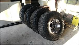4 pneus 35x12x5 com rodas 15x10 mangels-p_20170727_160859.jpg