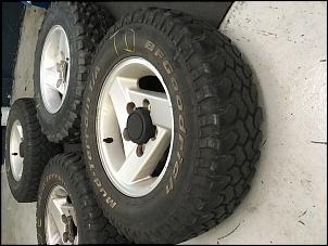 4 Pneus BF Mud 215/75/15 + 1 Pneu BSG 190/80/15 Usados-img_0370.jpg