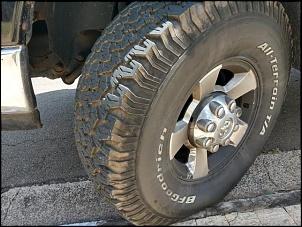 2 pneus BFGoodrich AT 37x12.50R17 seminovos-535923119180702.jpg